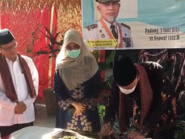 Peresmian RTQ Nurul Ilmi SMAN 3 Padang
